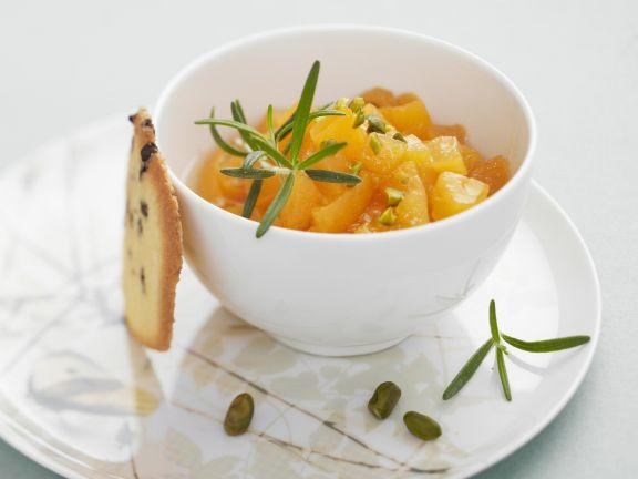 Aprikosensalat mit Pistazien