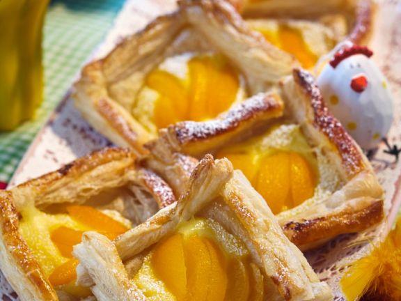 Aprikosenschnitten mit Vanillecreme