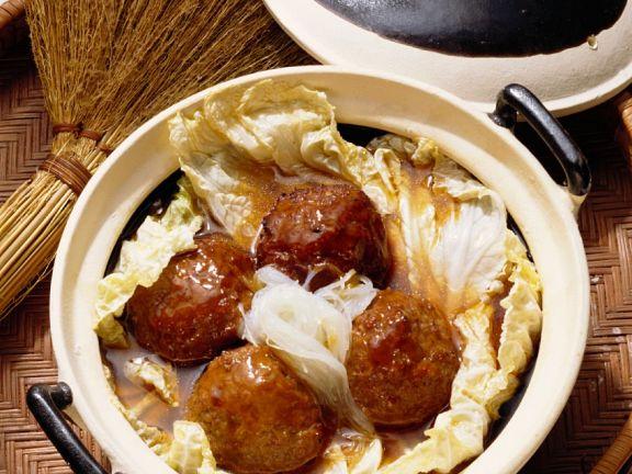 Asia-Fleischklöße mit Kohl