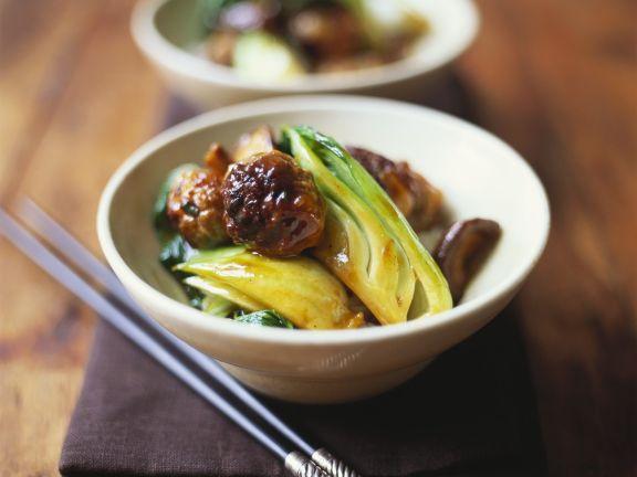Asiatische Fleischbällchen mit Gemüse