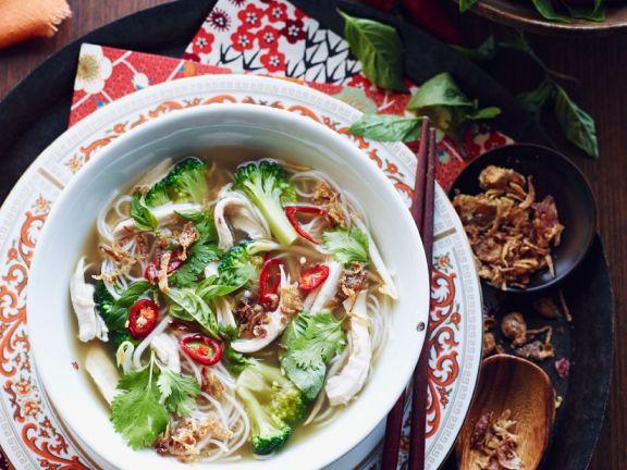 Asiatische Hühner-Gemüsesuppe