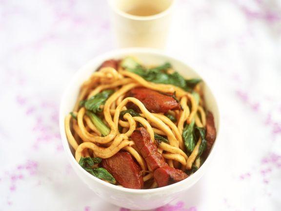 Asiatische Nudeln mit Schweinefleisch