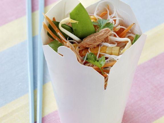 Asiatischer Nudelsalat mit Thunfisch