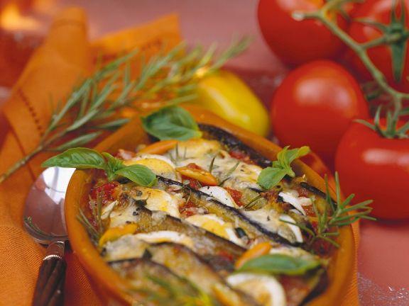 Auberginen-Eier-Auflauf mit Tomaten