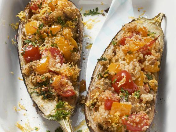 Auberginen mit Couscous-Gemüse-Füllung