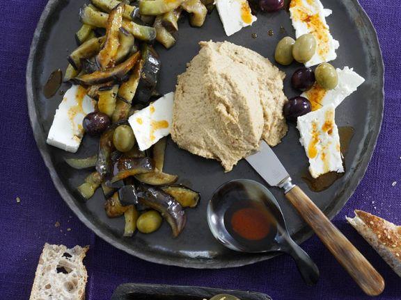 Auberginen mit Hummus nach orientalischer Art