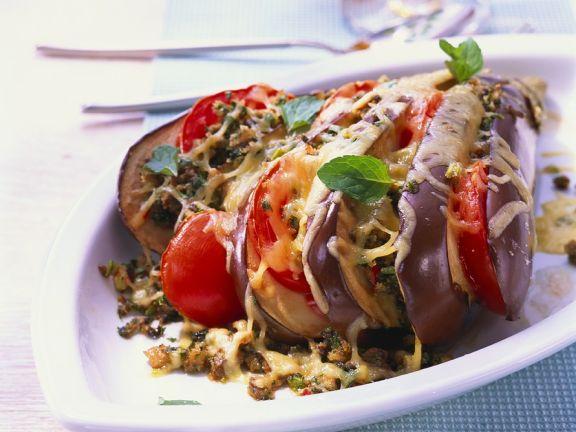 Auberginen-Tomaten-Gratin mit Champignons