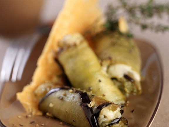 Auberginenröllchen mit Mozzarellafüllung