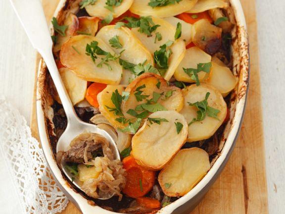 Auflauf mit Kartoffeln, Pilzen und Sauerkraut