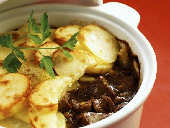 Auflauf mit Lammfleisch und Kartoffeln