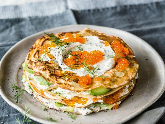 Avocado-Lachs-Pfannkuchen-Torte