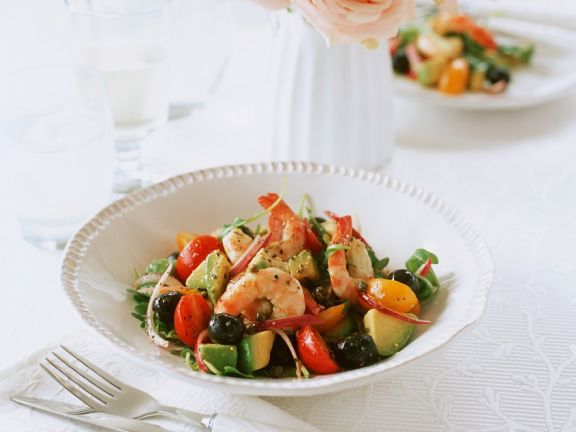 Avocado-Tomatensalat mit Shrimps