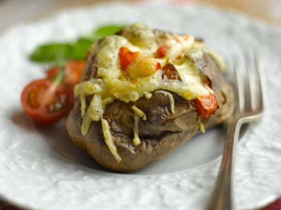Backkartoffeln mit Jarlsberg & Tomaten