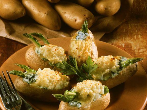 Baked Potatoes mit grünem Spargel