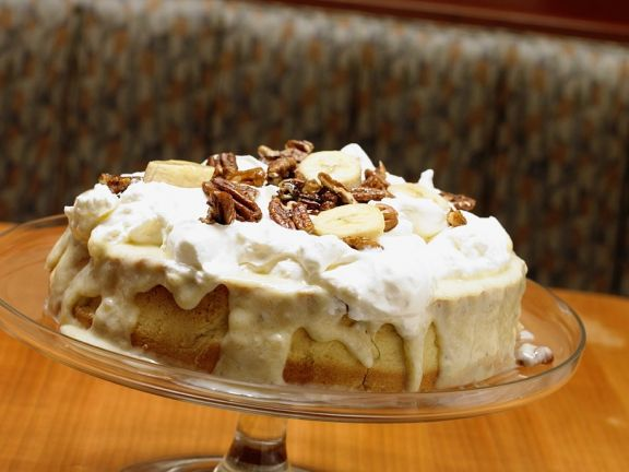 Bananenkuchen mit Schlagsahne