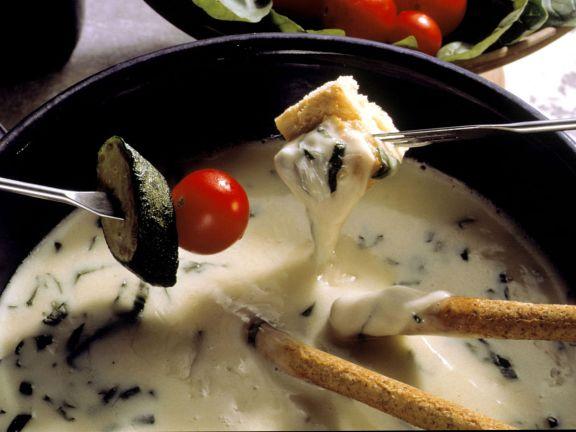 Basilikum-Käse-Fondue (Fonduta piemontese)