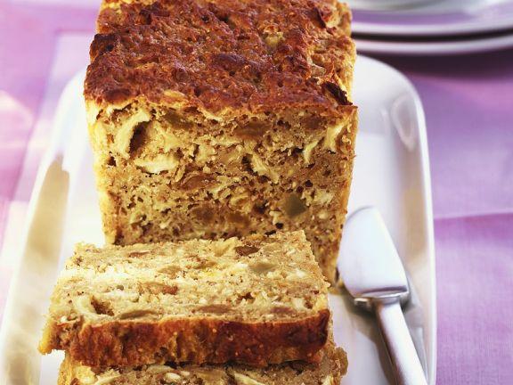 Becher-Kuchen mit Trockenfrüchten und Nüssen