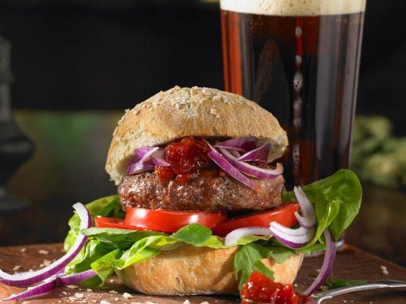 Beef-Burger mit Tomatenchutney