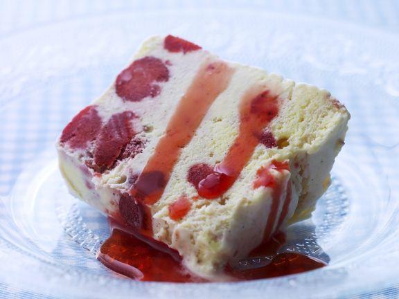 Beeren-Eiskuchen