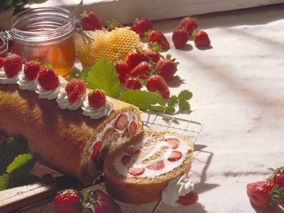 Biskuit-Erdbeerrolle