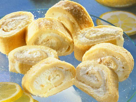 Biskuitröllchen mit Zitronencreme