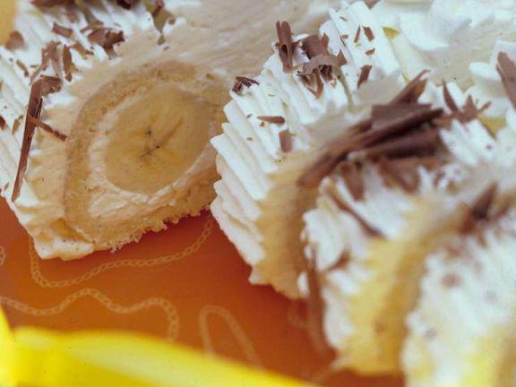 Biskuitroulade mit Bananen