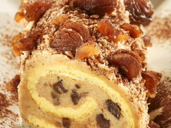 Biskuitroulade mit Kastaniencreme