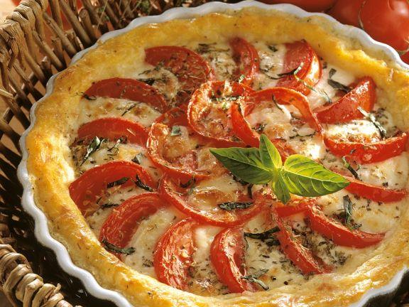 Blätterteigtarte mit Tomaten und Mozzarella