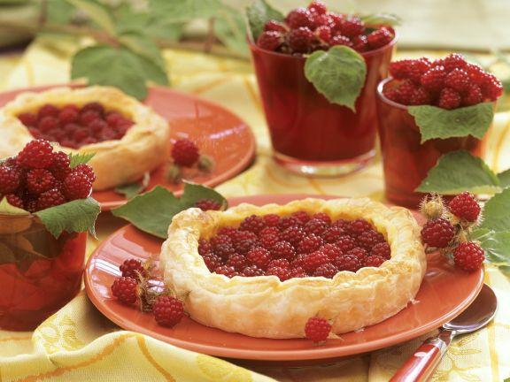 Blätterteikuchen mit Beeren