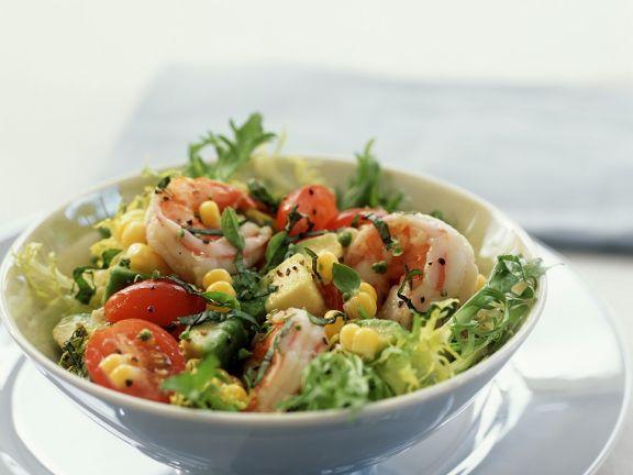 Blattsalat mit Garnelen