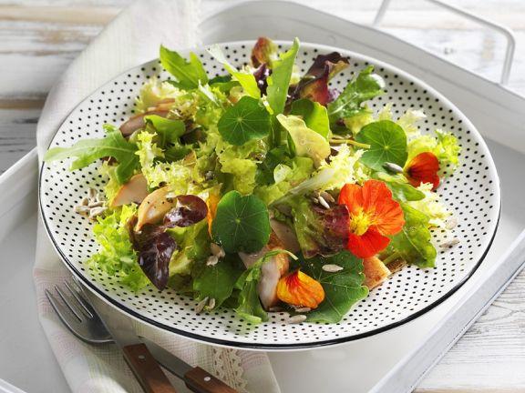 Blattsalat mit Hähnchen
