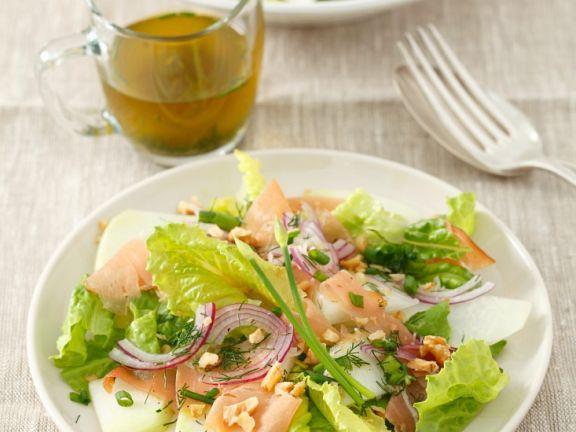 Blattsalat mit Kohlrabi und Schinken