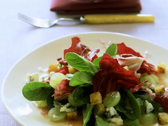 Blattsalat mit Trauben