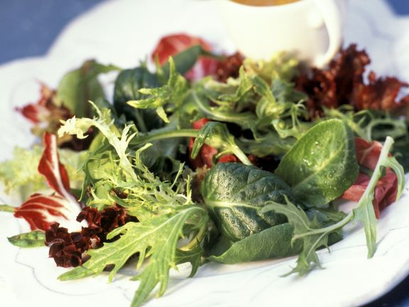 Blattsalat mit Vinaigrette