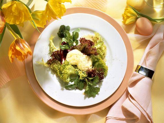 Blattsalat mit Ziegenkäse und Orangenvinaigrette