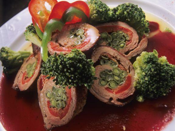 Bohnen-Kalbsrouladen mit Brokkoli