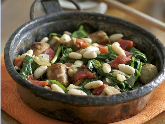 Bohnen-Wurst-Pfanne mit Spinat