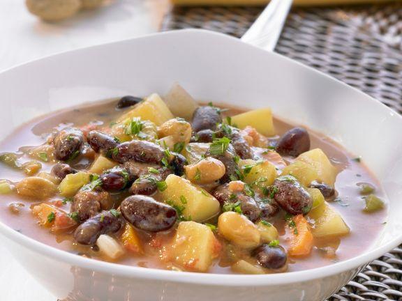 Bohneneintopf mit Erdnüssen und Koriander