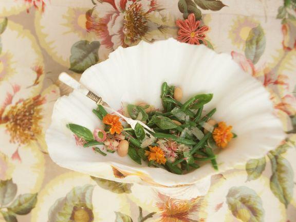 Bohnensalat mit Essblüten