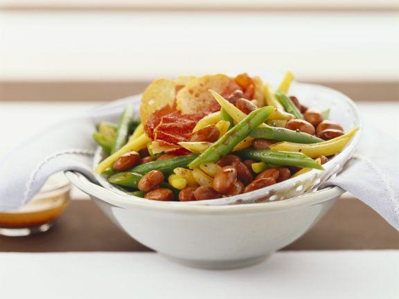Bohnensalat mit gebratenem Speck