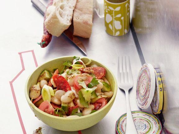 Bohnensalat mit Tomaten, Chorizo und Lauch