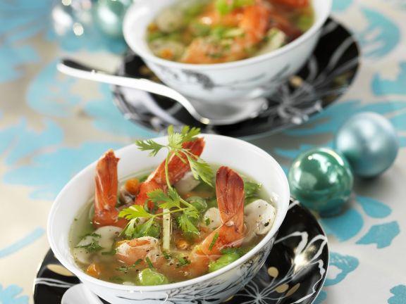 Bohnensuppe mit Riesengarnelen