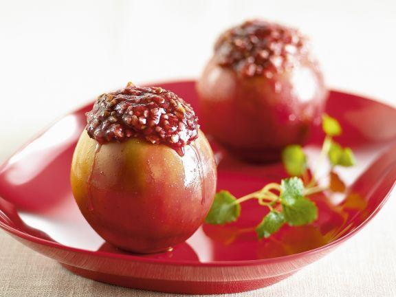 Brätapfel mit Cranberry und Granatapfel gefüllt