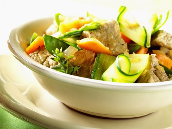 Braisiertes Schweinefleisch mit Gemüse