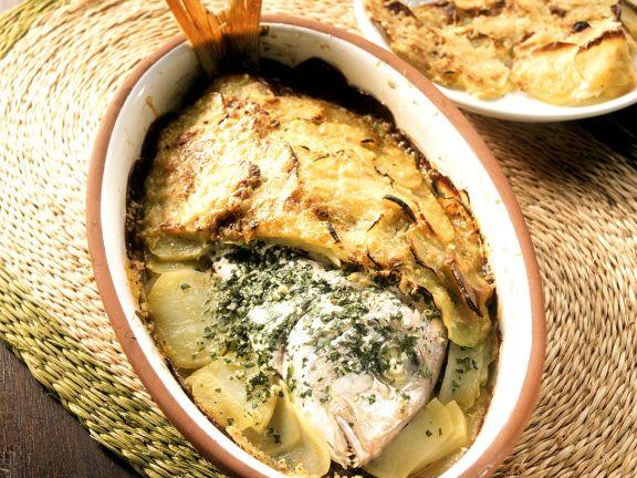 Brasse in Kartoffeln gebacken