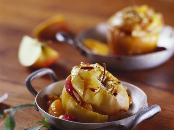 Bratapfel mit Trauben-Mandel-Füllung