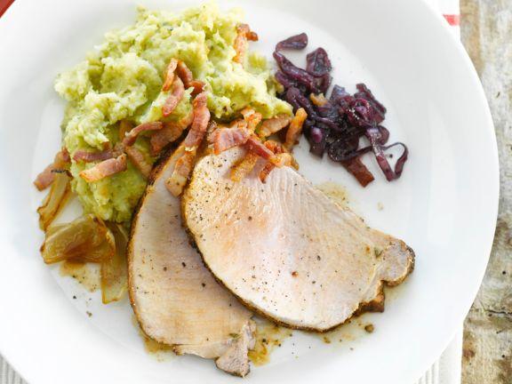 Braten vom Schweinrücken und Kartoffel-Brokkoli-Püree