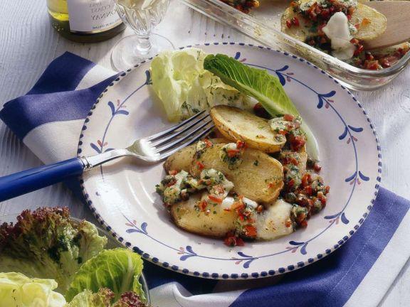 Bratkartoffelgratin mit Salat