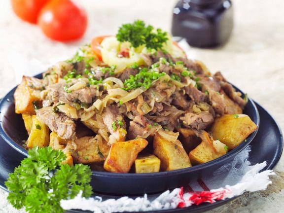 Bratkartoffeln mit Schweinegeschnetzeltem