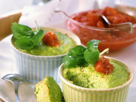 Brokkoliauflauf mit Tomatensauce
